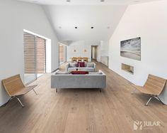 O acabamento ultra-mate é a nova tendência chave na arquitetura contemporânea.  Absorve a luz, melhora a cor e a sensação dos pavimentos de madeira, revelando a sua verdadeira beleza.#jular #jularmadeiras #pavimentosflutuantes #madeira #interior #design #wood #decoration
