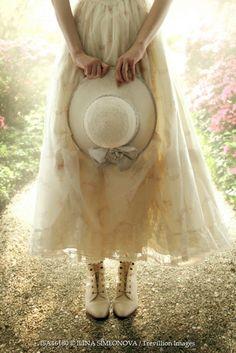 Trevillion Images - vintage-woman-standing-with-hat Mode Vintage, Vintage Ladies, Vintage Woman, Vintage Outfits, Vintage Fashion, Vintage Dress, Vintage Boots, Estilo Lolita, Woman Standing