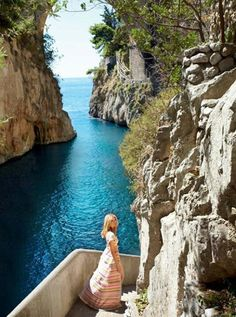 A wonderful spot at the Amalfi coast in Italy. Marie Claire, With Compliments to Kruse~ Touched by Time Places Around The World, Oh The Places You'll Go, Travel Around The World, Places To Travel, Places To Visit, Around The Worlds, Hidden Places, Phuket, Dream Vacations