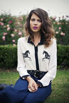 horsey blouse - very cute and sophisticated without being too kitschy. I can see me wearing this to work...