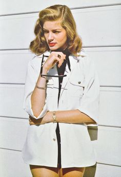 Portrait of Lauren Bacall by John Engsteadl, 1945 Golden Age Of Hollywood, Vintage Hollywood, Hollywood Glamour, Hollywood Stars, Classic Hollywood, Lauren Bacall, Lauren Hutton, Hippie Vintage, Mode Vintage
