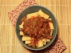 Sunday Slow Cooker: Beef Ragu - Slender Kitchen. Works for Clean Eating, Gluten Free, Low Carb, Paleo and Weight Watchers® diets. 224 Calories.