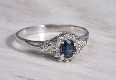 pierścionek z szafirem i diamentami