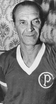 4° - Waldemar Fiúme - 601 jogos entre 1941 e 1958