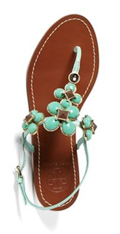#ToryBurch sandals  http://rstyle.me/n/gaeerpdpe