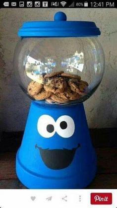 Dinge, die man mit Terrakotta-Töpfen zu tun hat # … Things to do with terracotta pots Clay Pot Projects, Clay Pot Crafts, Jar Crafts, Crafts For Kids, Diy Projects, Flower Pot Crafts, Flower Pots, Diy Flowers, Cookie Monster Party