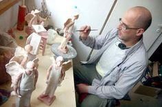 Ceramika to bardzo przyjemna praca. Rozmowa z Arkadiuszem Szwedem