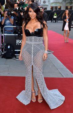 Pin for Later: La Soirée GQ Men of the Year Awards Etait Très Sexy Kim Kardashian