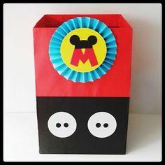 Resultado de imagen para mickey mouse caja de regalos