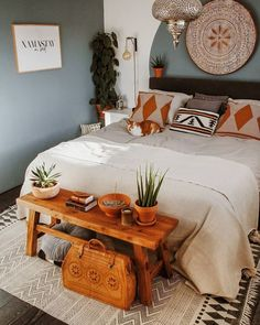 57 Bohemian Bedrooms That'll Make You Want to Redecorate ASAP bohemian Bohemian bedroom decor has&; 57 Bohemian Bedrooms That'll Make You Want to Redecorate ASAP bohemian Bohemian bedroom decor has&; Bohemian Bedroom Design, Bohemian Room, Bohemian Bedrooms, Bohemian Decor, Hippie Boho, Bohemian Style, Bohemian Interior, Boho Chic, Shabby Chic