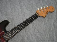 1961 Fender® Mandocaster® (US $3.300) Sunburst, Slab board, Clay dots, Tortoise guard, Bridge cover, Original hard case...