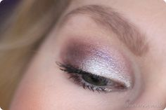 MAC Cosmetics Pigment Silver Fog Urban Decay Moondust Shockwave Faerie Whispers Fly by Twilight Extended Play Lash Mascara Subversion Primer Potion Lidschattenbase Augen Make up AMU Make uo Look