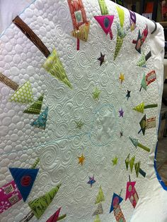Christmas tree skirt- love the quilting... Now who can make one for me? I'm sewing challenged!!