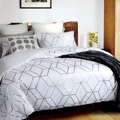 Quartz Duvet Cover, Luxury Bedding, Designer Linen, Duvet Cover, print Bedding,Home Republic, Home Republic Collection, duvet cover, duvet covers, silver, geometric, foil print