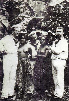 Deutsche Matrosen auf Samoa, um 1910.
