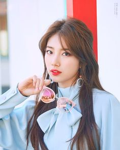 Korean Fashion On The Streets Of Paris Bae Suzy, Korean Beauty, Asian Beauty, Beautiful Asian Girls, Most Beautiful, Beautiful Ladies, Japonese Girl, Miss A Suzy, Taehyung