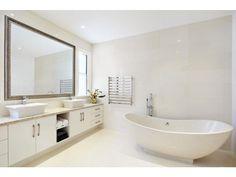 Country bathroom design with freestanding bath using ceramic - Bathroom Photo 1501321
