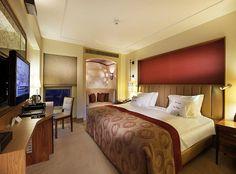 DOUBLETREE by HILTON Kapadokya - Türkiye. Otel odaları konforlu. Eğer HiltonHonors kartınız varsa daha konforlu odaya upgrade (bir üst oda) 'da konaklama yapabilirsiniz.