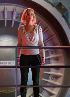 Jennifer Lawrence & Chris Pratt Fall In Love In Space In First Trailer For 'Passengers'