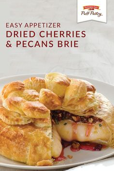 This Dried Cherries and Pecans Brie is one easy appetizer recipe that& made . Brie Puff Pastry, Pepperidge Farm Puff Pastry, Savory Pastry, Puff Pastry Recipes, Puff Pastries, Brie Appetizer, Easy Appetizer Recipes, Appetizers, Brie Cheese Recipes
