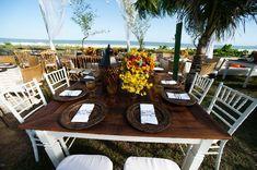 Cadeiras Tiffany - Casamento na praia - Foto Mair Lopes