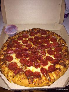 Finally took a decent pizza pic :) annnnddddd it was deliciousssss :P ву: νσℓℓєувαℓℓ вєαυту♛  ↠ {VolleyballBeaut}↞
