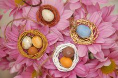 Adorable DIY Bird's Nest Necklaces! Tutorial Here --> http://www.hgtvgardens.com/crafts/birds-nest-necklaces?soc=pinterest