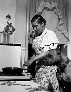 Music Legends and their Animals: Billie Holiday Photo - Music Legends and Their Animals Billie Holiday, Jazz Artists, Music Artists, Lady Sings The Blues, Nanny Dog, Jazz Blues, Ladies Day, American History, American Actors