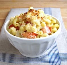 Lobster mac & cheese - YUM! Except, I'm cheap and would probably replace the lobster with imitation crab <3 can't wait to try it!!