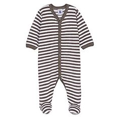 Just bought this for a friend's baby, due in November. May or may not have had too much fun looking at newborn clothes again. #petitbateau #stripes #baby