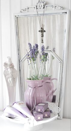 ♥A little bit of lavender in the white sewing room would be  beautiful.
