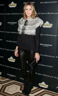Olivia Palermo added a hint of luxe to her laidback look at the He's Just Not That Into You premiere with a cropped fur shrug. Read more at http://www.instyle.co.uk/celebrity/pictures/celebs-in-faux-fur/celeb-trend-faux-fur-141010-7#4IEJJchizF7ihXUQ.99