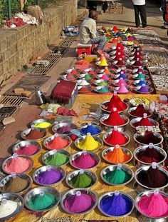 Orchha Market - Powder Paints by Peter Connolly on Flickr | India