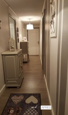 Dans cet appartement du centre de Longwy, Francesca Lo Bianco, architecte d'intérieur MH DECO basée à Thionville a métamorphosé le couloir dans un style shabby chic !