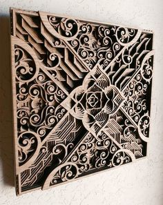 Oakland-based artist Gabriel Schama produces intricate wooden mandalas which consist of multi-layered laser-cut pieces of mahogany plywood. Laser Art, 3d Laser, Laser Cut Wood, Laser Cutting, Laser Cutter Projects, Laser Cutter Ideas, Gabriel, Wooden Art, Wood Wall Art