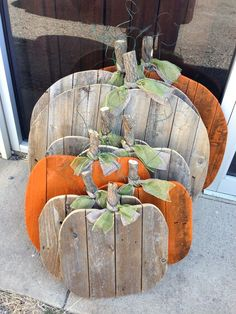 Picket pumpkins! Made from recycled fence pickets.  #jetwedding #vintageshoppegirl   Rustic fall wedding decor