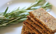 Rosemary Raisin Crackers. Take out the raisins and they're great for #21dsd! - SCD, Paleo, Primal, Raw and Vegan!