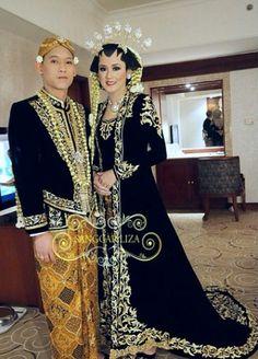 Custom Wedding Dress, Diy Wedding, Dream Wedding, Wedding Dresses, Javanese Wedding, Indonesian Wedding, Kebaya Jawa, Traditional Wedding, Wedding Inspiration