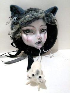 A needle felt and clay sculpt on a wood plaque by Sam Crow Creature 3d, 3d Illustrations, Nine Lives, Curious Creatures, Wood Plaques, Needle Felting, Crow, Art Dolls, Sculpting