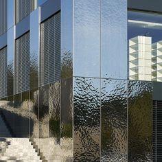 New Screen Facade Stainless Steel Ideas Lausanne, Metal Shop Building, Building Facade, Steel Cladding, Wall Cladding, Stainless Steel Panels, Metal Facade, Water Ripples, Steel Buildings