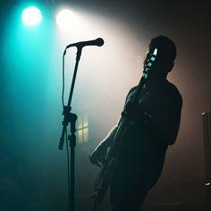 Foto: Felipe Portella #show #band #rock #banda #concert #90s #music #musica #breakfastersband #baixo #bass #player #bassplayer #baixista #saopaulo #brazil #brasil #thewallcafe #desafiocanon46