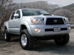 "2010 Toyota Tacoma 4x4 w/3"" Suspension Lift Kit... I can't wait to get my suspension lift!! ❤❤"