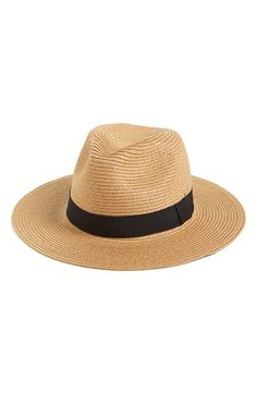 love this floppy hat