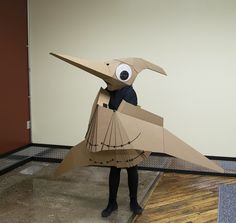 the pterodactyl is lisa glover& second wearable cardboard creature, for more information visit her project on kickstarter. Puppet Costume, Cardboard Costume, Cardboard Crafts, Diy Dinosaur Costume, Make A Dinosaur, Crafts For Boys, Diy For Kids, Kid Crafts, Pterodactyl Costume
