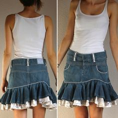 Jean skirt refashion from pants. Bottom ruffle layer with lace and pretty print. Girly and frilly. Pepe Jeans, Diy Fashion, Fashion Outfits, Denim Ideas, Denim Crafts, Jeans Rock, Denim And Lace, Clothing Hacks, Mantel