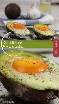 Keto Rezept gefüllte Avocado Ei Frühstück