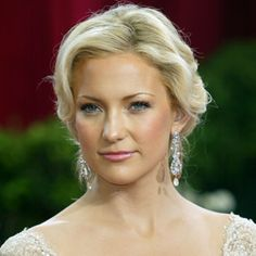 #KateHudson's #wavyupdo is an absolutely stunning pick for your wedding day. #weddinghair