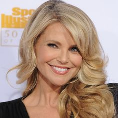 A Guide to Glowing Like Christie Brinkley at 60