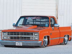 0612st_11_z+1985_chevrolet_c10+front_drivers_side_view.jpg (640×480)