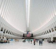 santiago calatrava's WTC transportation hub opens in new york